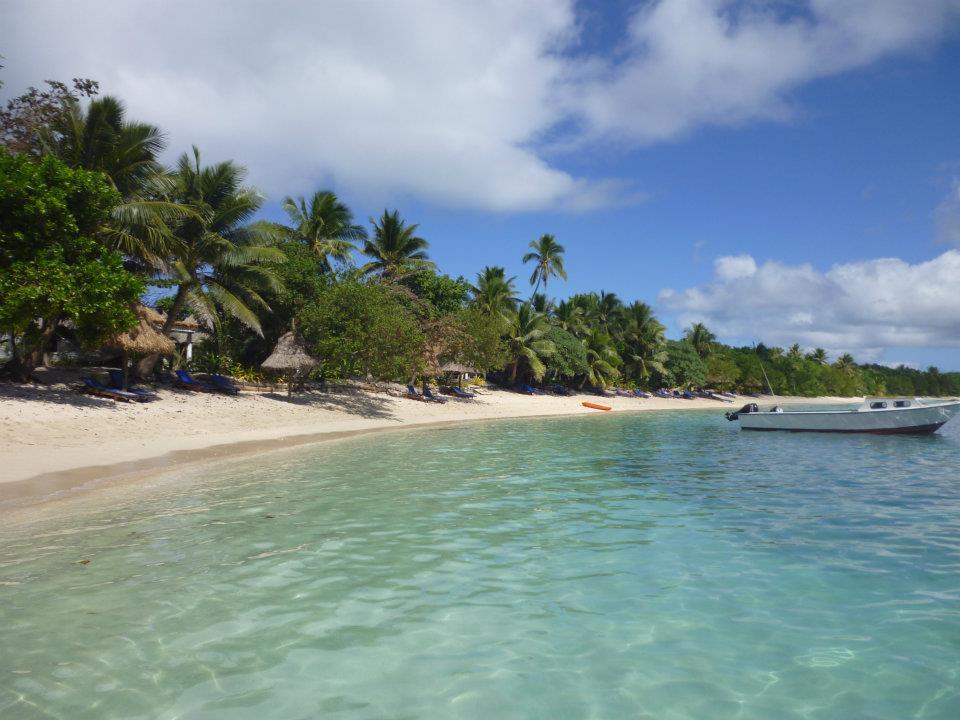 flashpacking in fiji at the blue lagoon beach resort. Black Bedroom Furniture Sets. Home Design Ideas