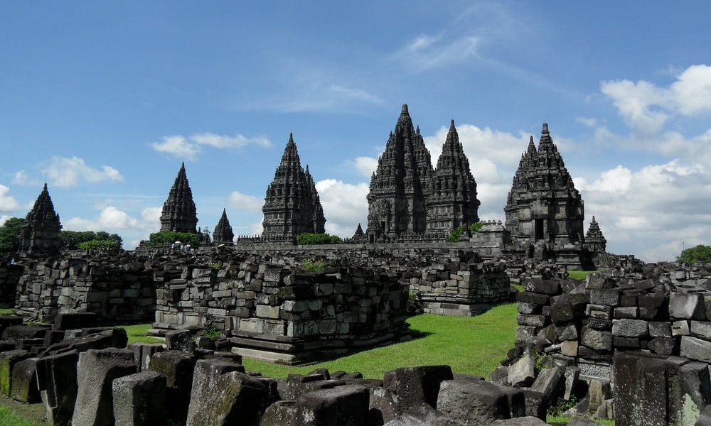 prambanan-temple-java-hinduism-161293