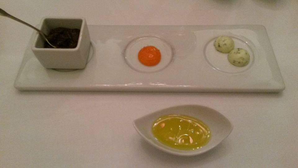 hors d'oeuvres at Astoria restaurant at the Intercontinental hotel in Porto
