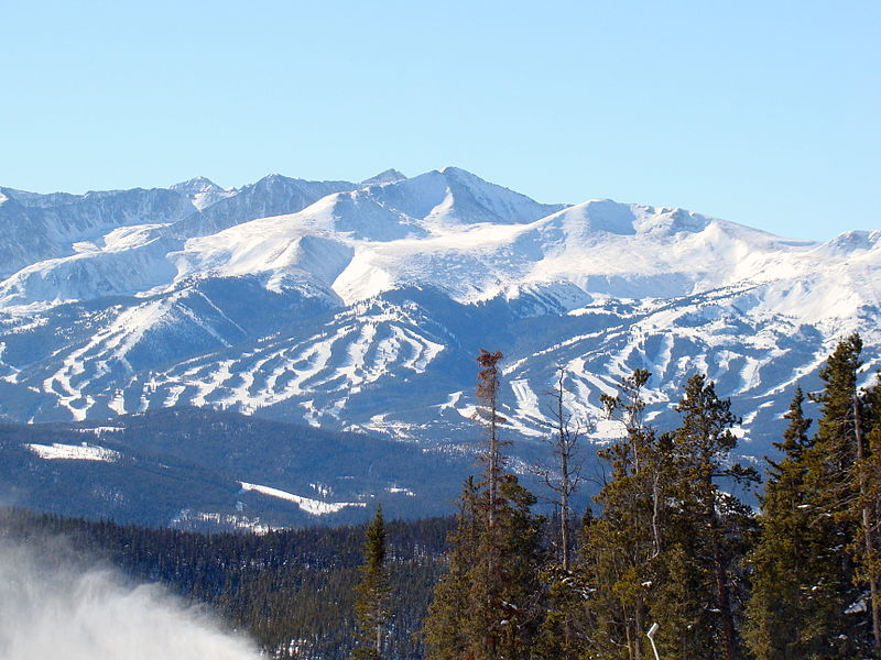800px-Breckenridge_Ski_Area_from_Dercum_Mountain,_Keystone_Ski_Area