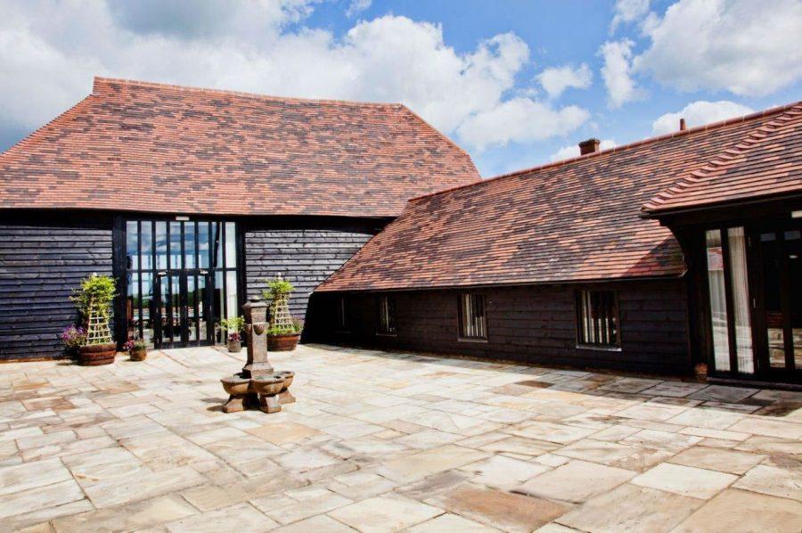 tudor-barn-front-900x598